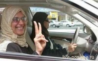 женщина-автоинструктор