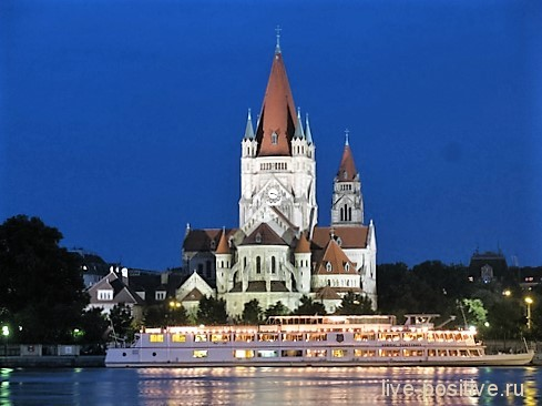 Церкви в Вене