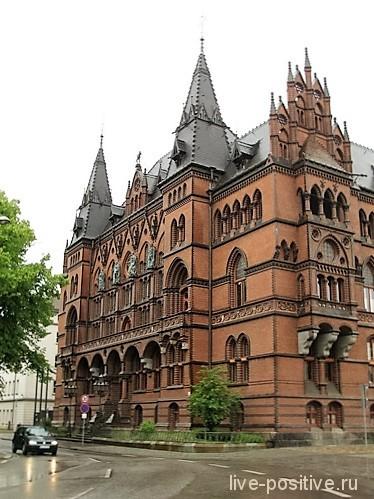 Красивое здание в Ростоке