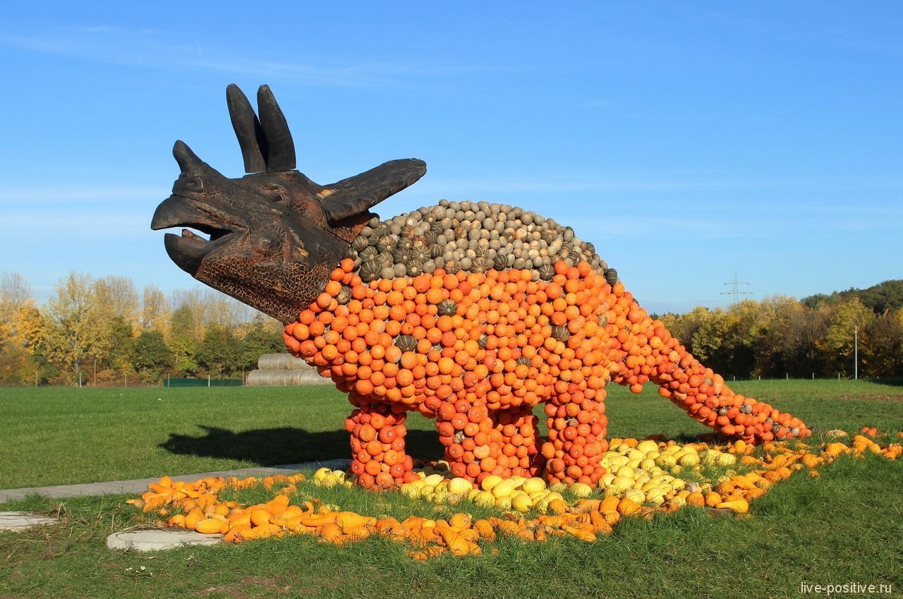 Динозавры на фестивале тыквы
